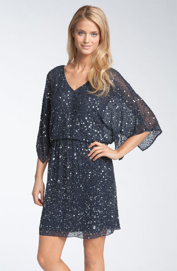 What other people are looking for. M black midi evening gown with kimono like sleeves 4; Minimalist chic Solid Evening Cocktail Scoop neck flare bell sleeve Kimono Dress.